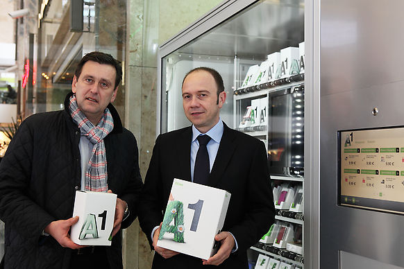 phone case retail in automated stores